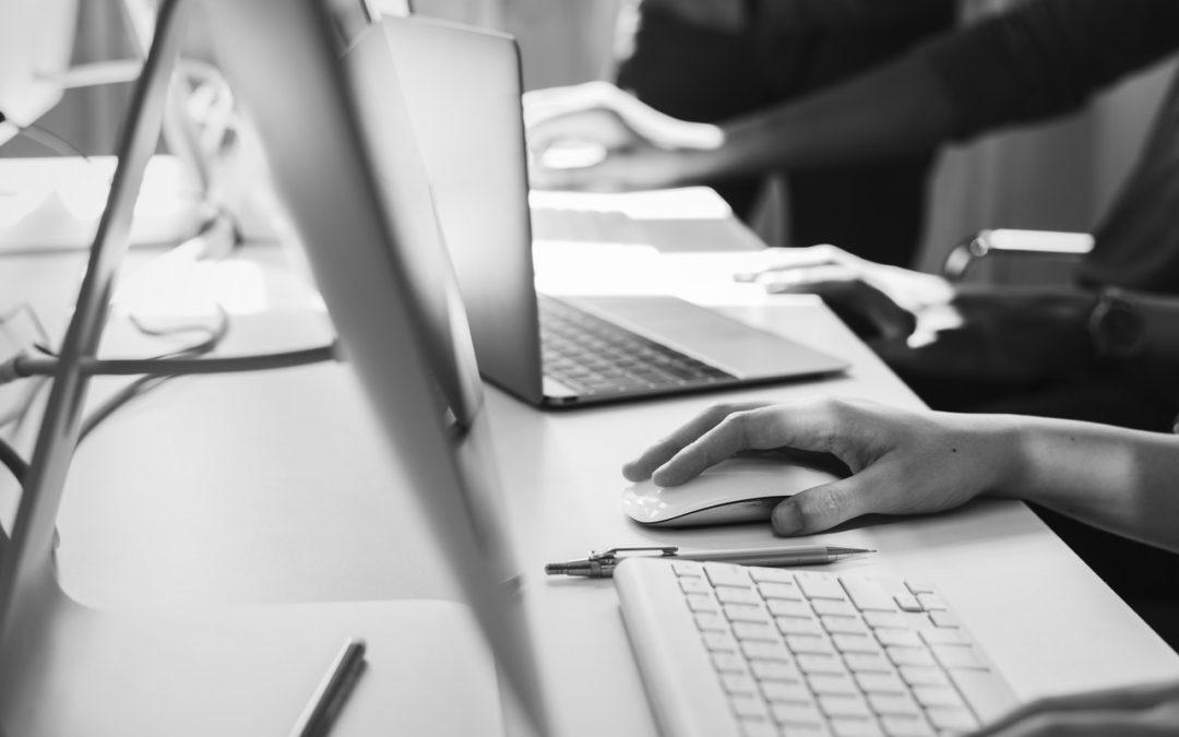 Jak rozsądnie nazwać własną firmę? Poradnik dla początkujących przedsiębiorców